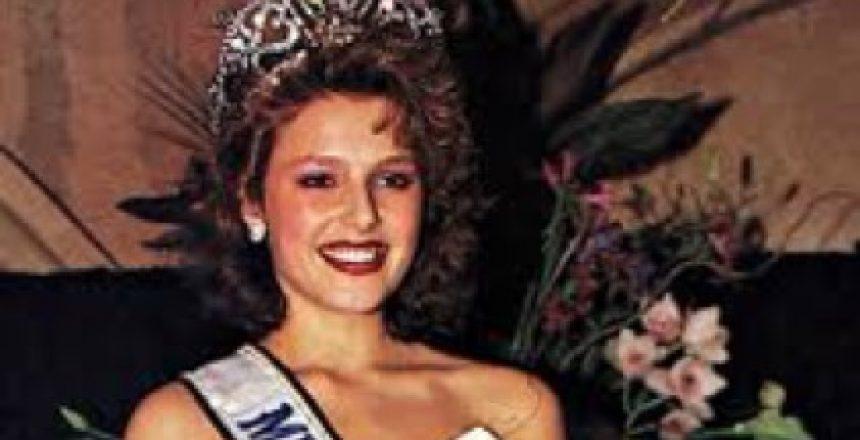 miss-mona-1990